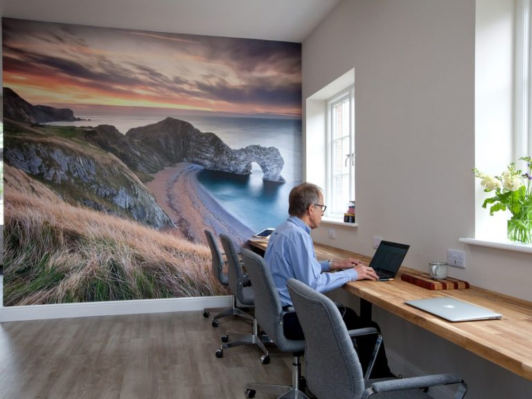 Hire desk space by the hour