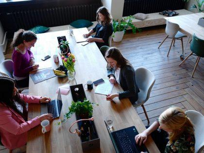 women working coworking space